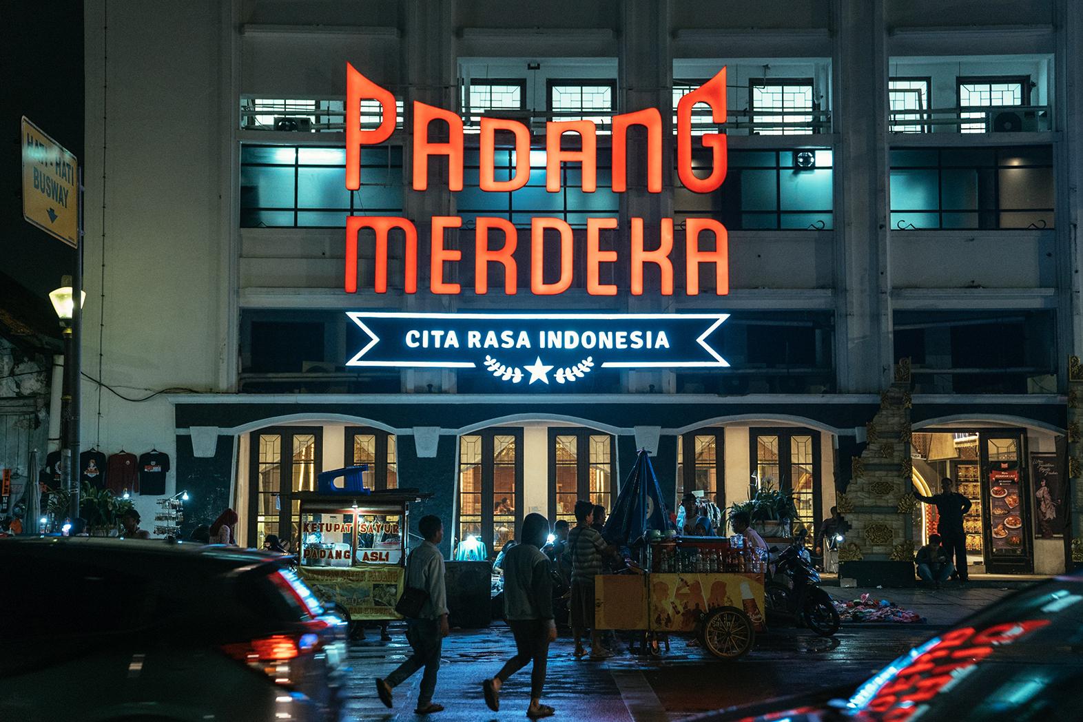 Restoran Padang di Jakarta - Padang Merdeka